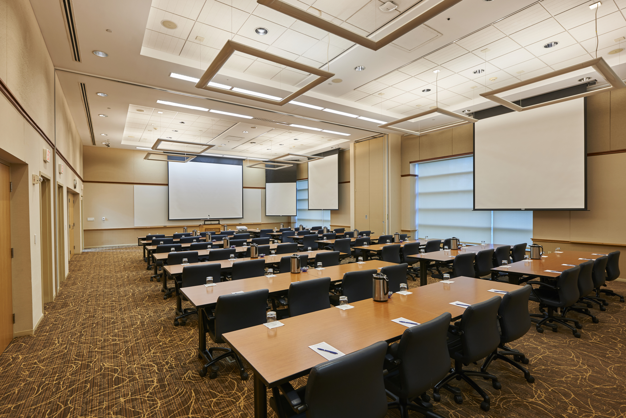Executive conference room the penn stater hotel for Room planning website