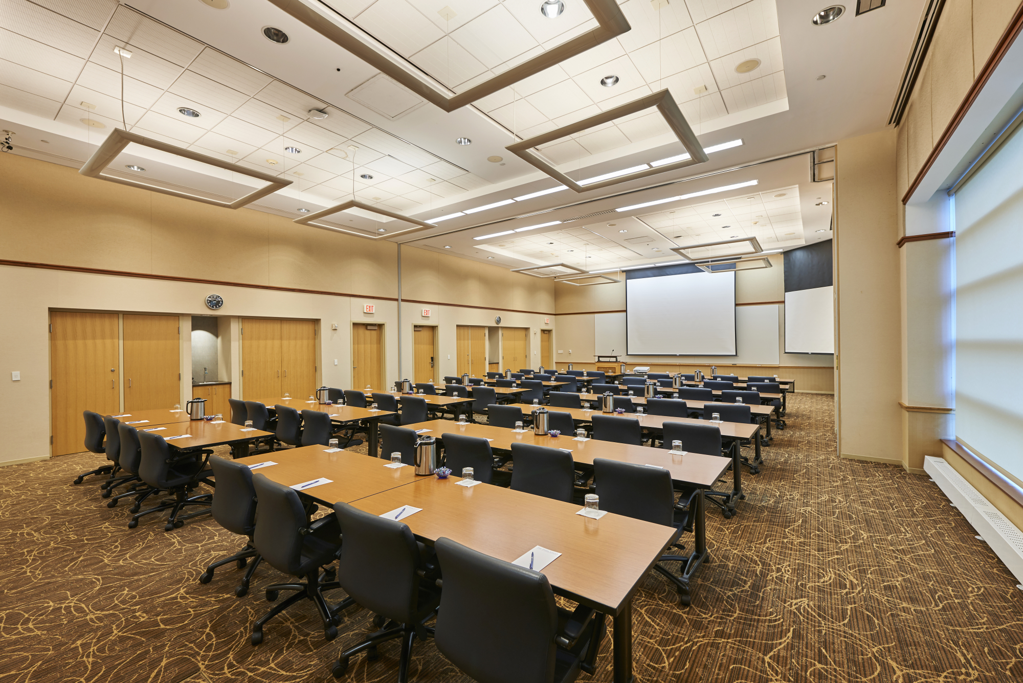 facility meeting room Facilities reservations facilities reservations is responsible for coordinating all aspects of reservations of general-use lecture rooms, conference rooms, auditoriums and theater space, athletic facilities, recreation or outdoor spaces, and.